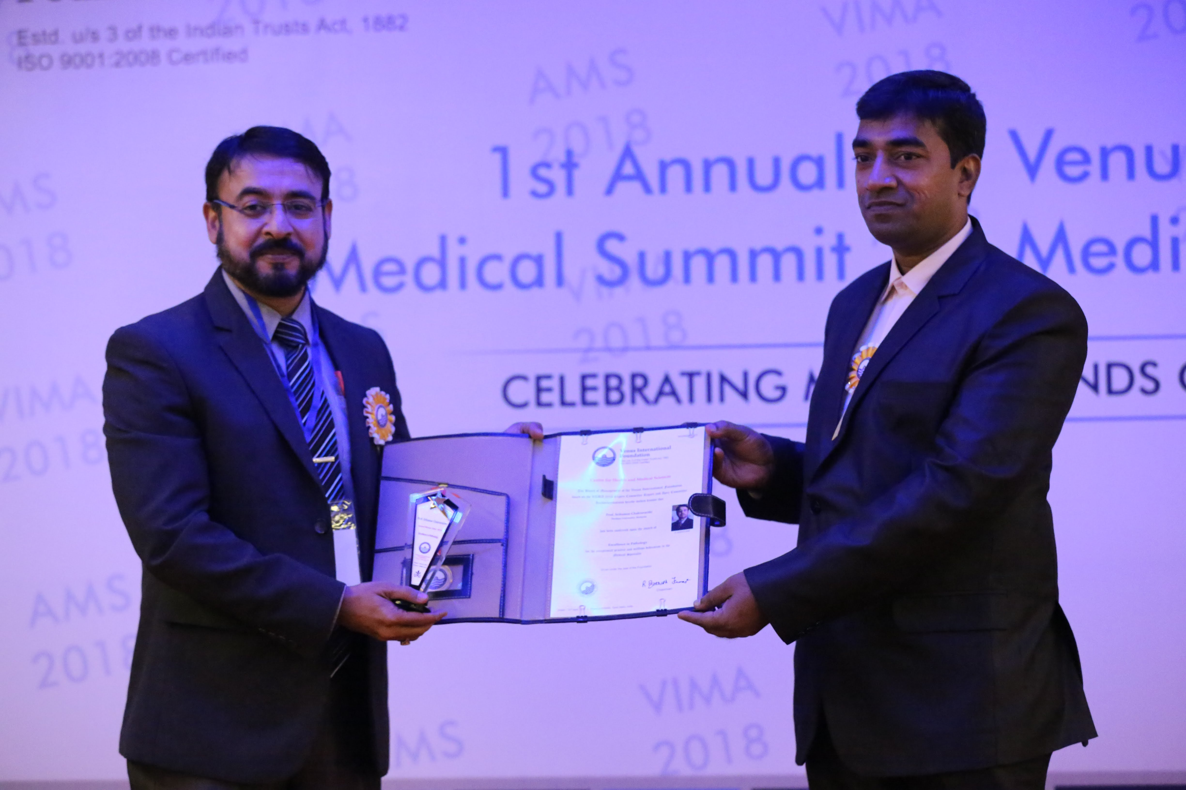 Prof Dr Srikumar Chakravarthi received the International Medical Award for Excellence in Pathology at the Annual Medical Summit